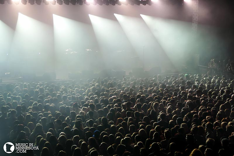 The 1975 crowd