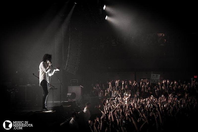 The 1975 live crowd