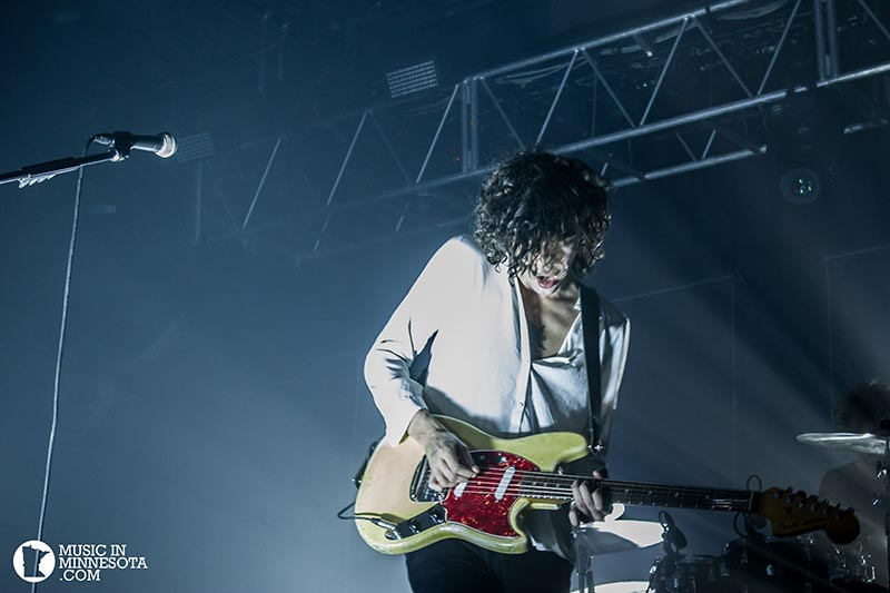 The 1975 live guitar