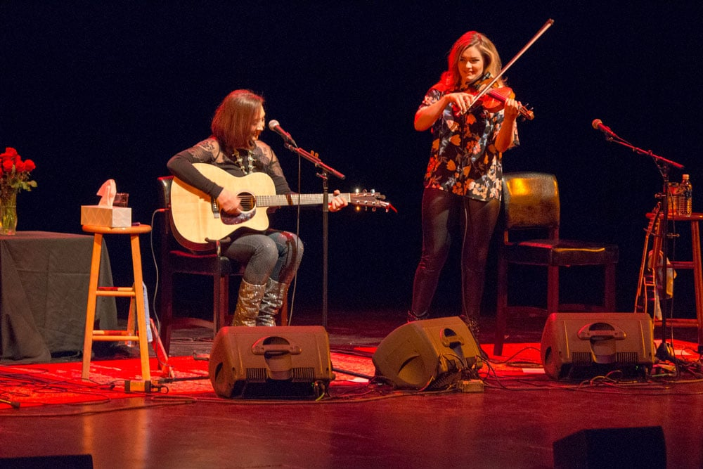 fiddle player aria stiles showcases her talent with pam tillis in st. cloud minnesota