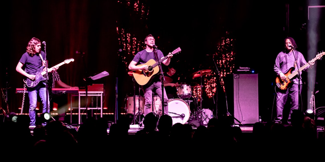Phillip Phillips, First Ave