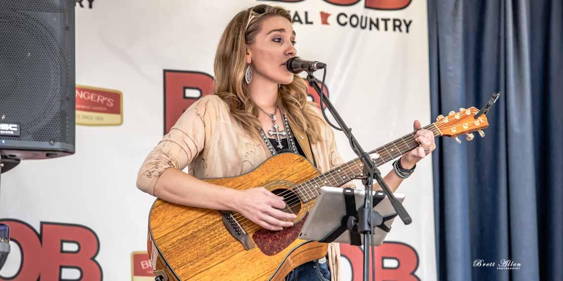 Kristine Wriding, Bob FM, Country