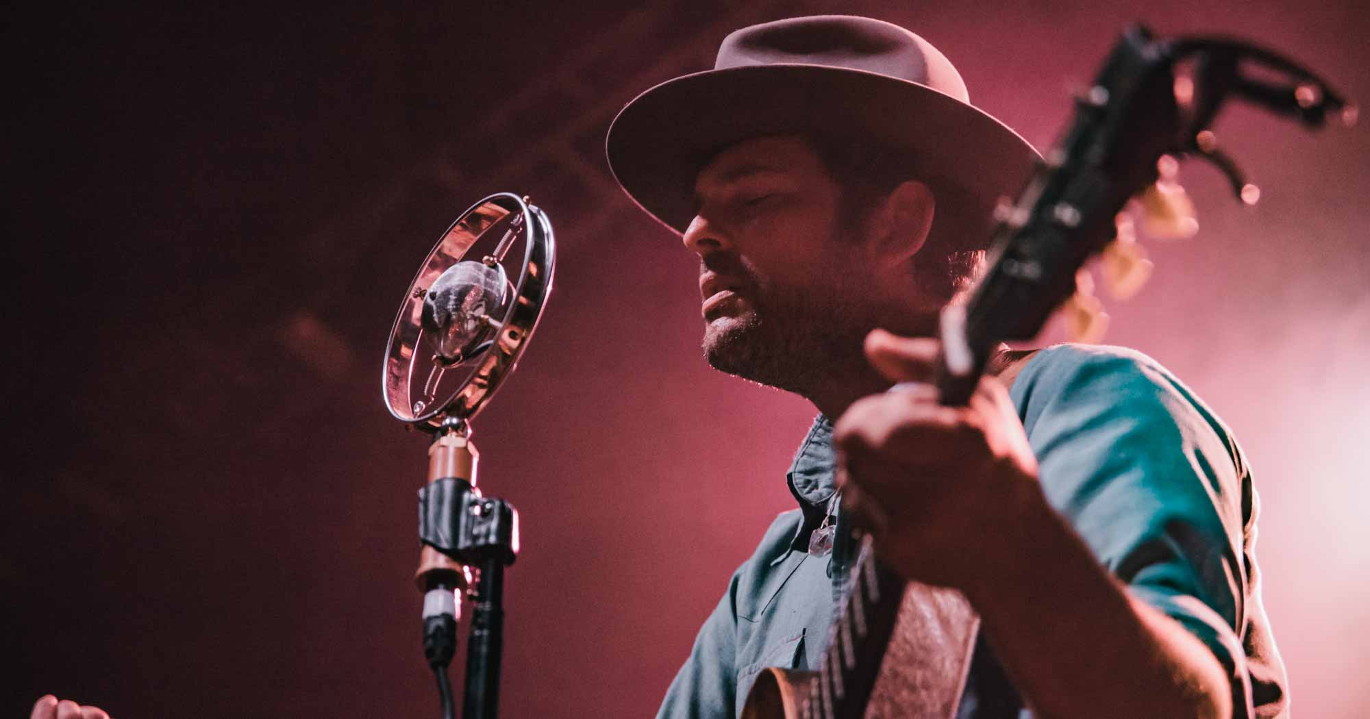 Gregory Alan Isakov, First Ave