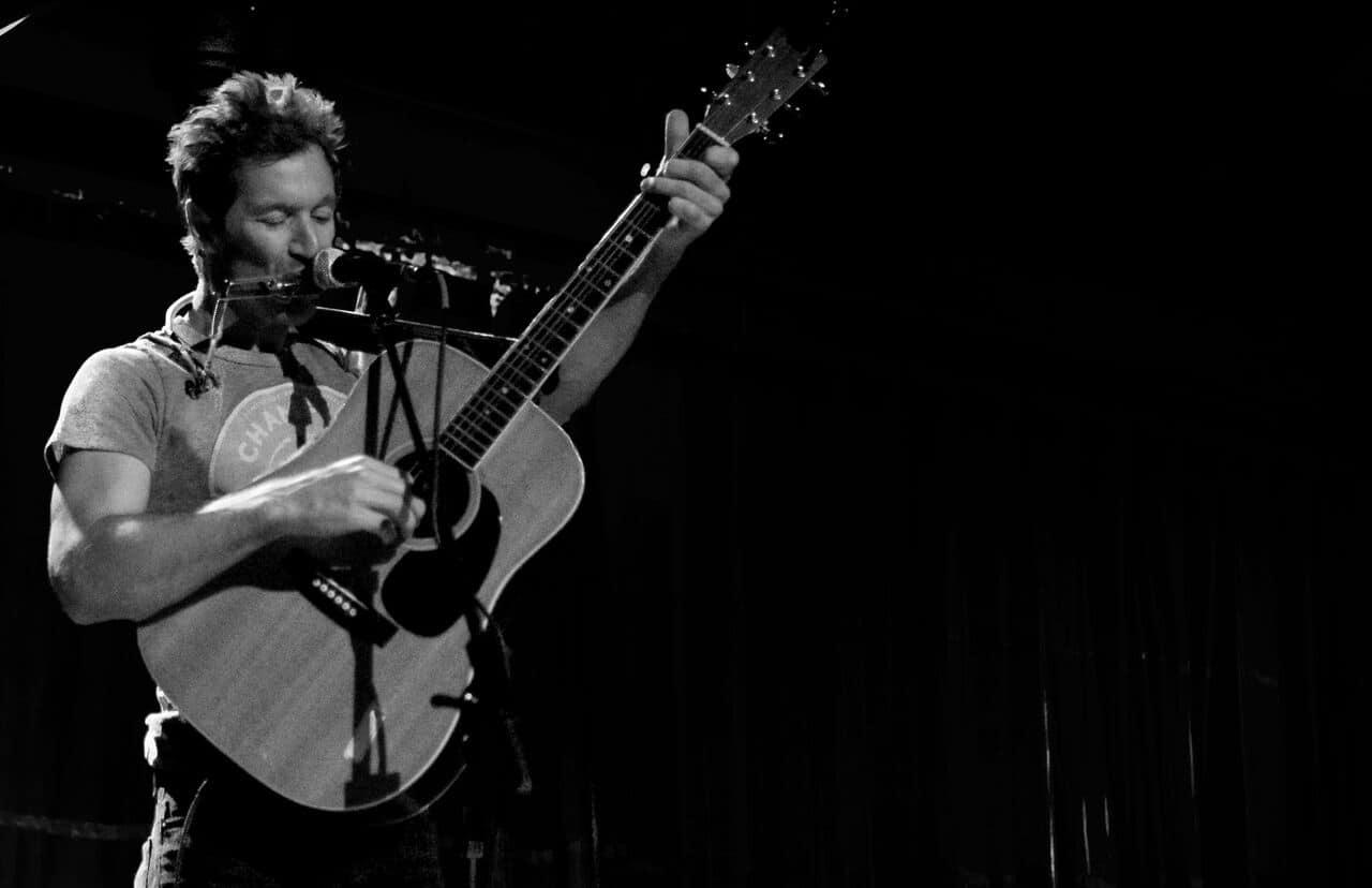 Nashville Singer/Songwriter Griffin House on Stage