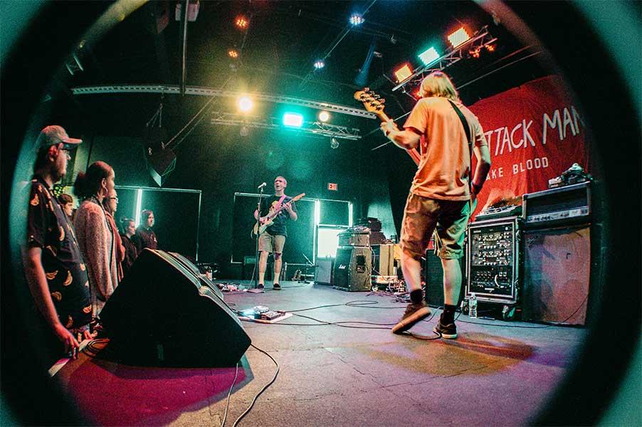 Heart To Gold Seaway the Garage Burnsville Minnesota May 6 2019 Pop Punk Fresh Produce Tour