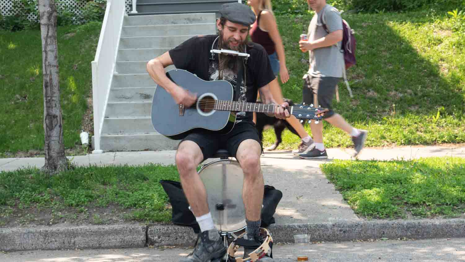 Riley Coyote busks at Open Streets Lyndale Minneapolsi 2019