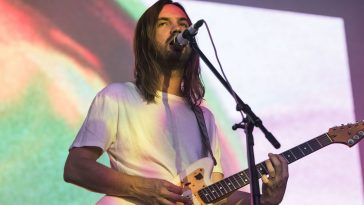 Kevin_Parker_of_Tame_Impala_at_Surly_Brewing_Company_Photo_By_Travis_Meier
