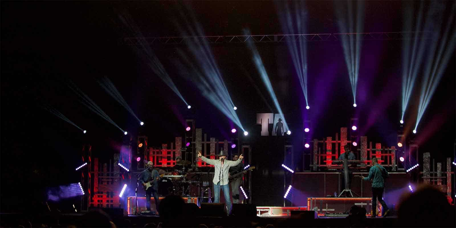 Country artist Trace atkins on stage at the Minnesota State fair 2019