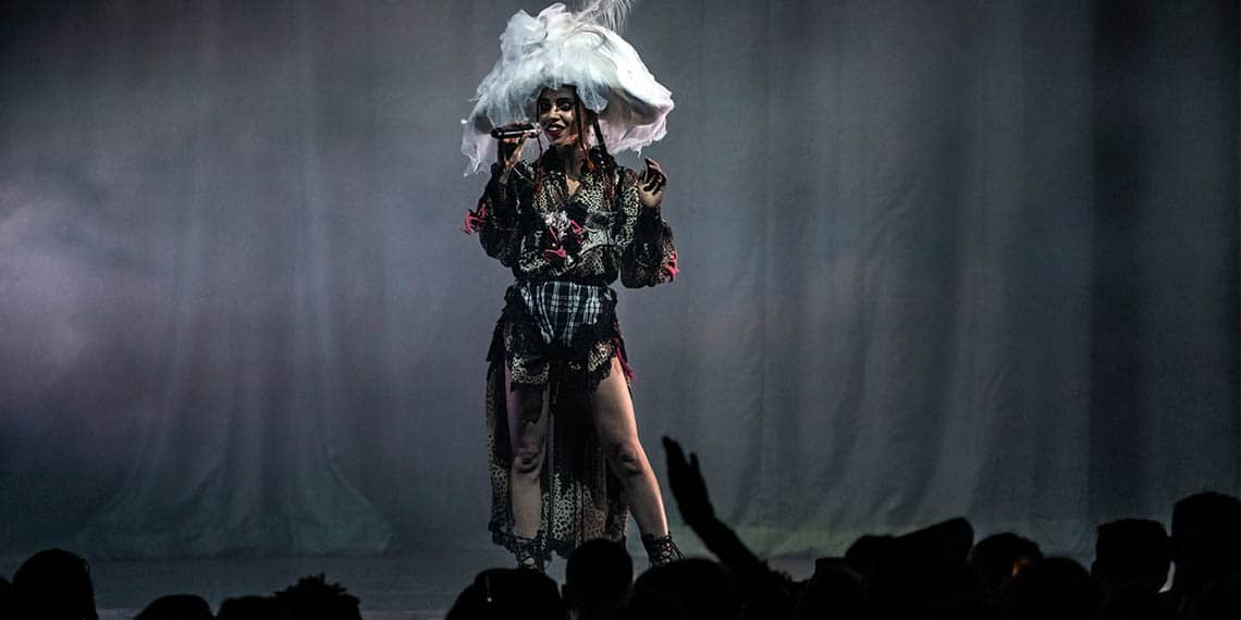 FKA Twigs, Robert Pattinson, Tahliah Debrett Barnett, singer, songwriter, Saint Paul, Palace Theatre, Magdalene, Concert, Live Music