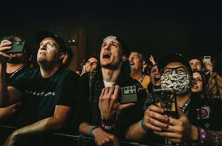 concert angels and airwaves front row skyway theatre tom delonge october 8 2021 minneapolis minnesota